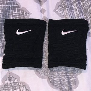 Black Nike Volleyball Knee Pads